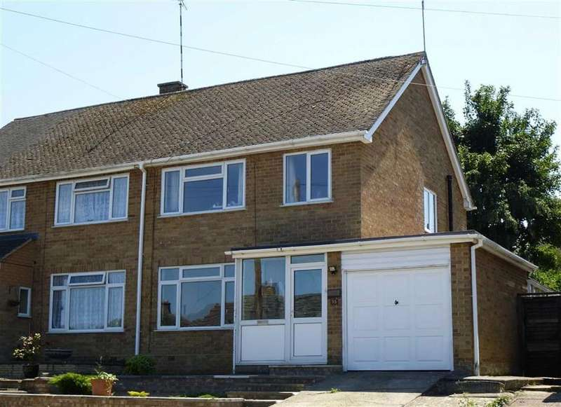 3 Bedrooms Semi Detached House for rent in Broughton