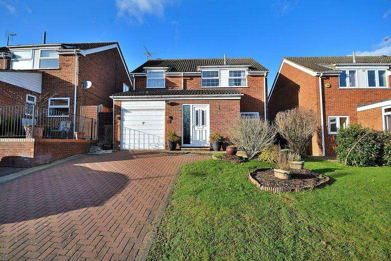4 Bedrooms Detached House for sale in Derwent Road, Linslade