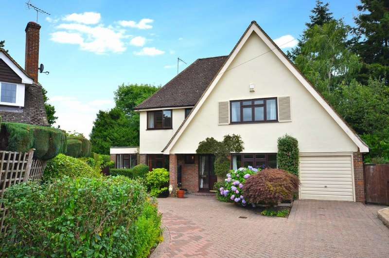 5 Bedrooms Detached House for sale in Dove Park, Chorleywood, Hertfordshire, WD3