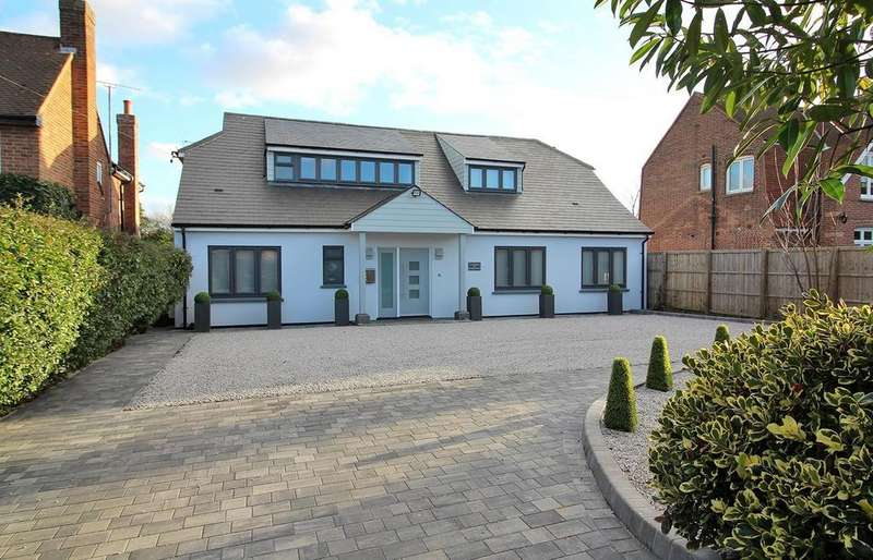 4 Bedrooms Detached House for sale in Springfield Road, Chelmsford, Essex, CM2