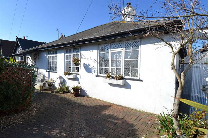 2 Bedrooms Detached Bungalow for sale in Kingsdown Park, Tankerton, Whitstable