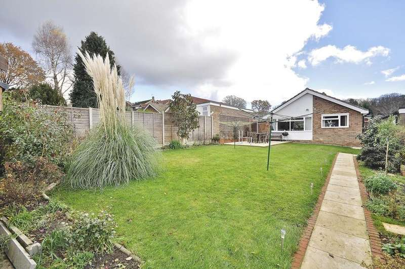 2 Bedrooms Detached Bungalow for sale in Hilland Rise, Headley