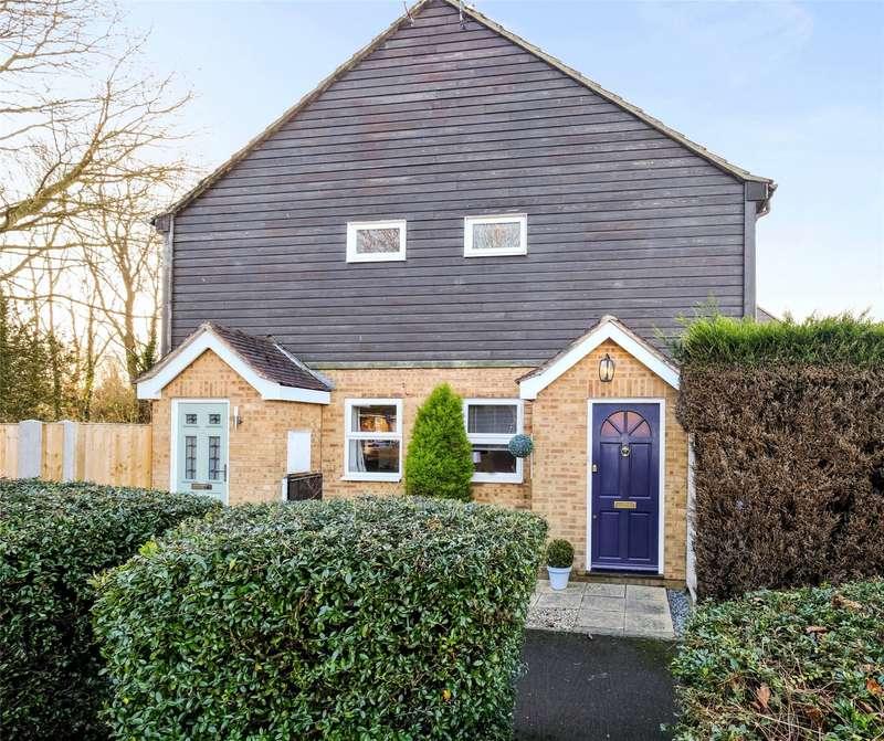 1 Bedroom Terraced House for sale in Viscount Gardens, West Byfleet, Surrey, KT14