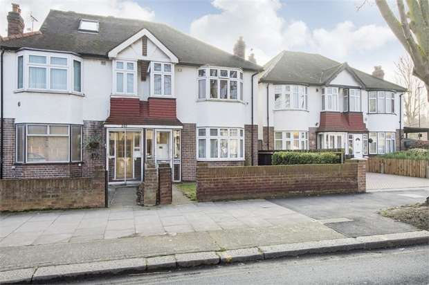 4 Bedrooms Semi Detached House for sale in Twickenham Road, Isleworth, Middlesex