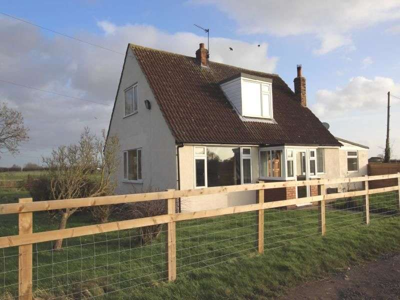 3 Bedrooms Detached House for rent in North Lane, Huntington, York, YO32