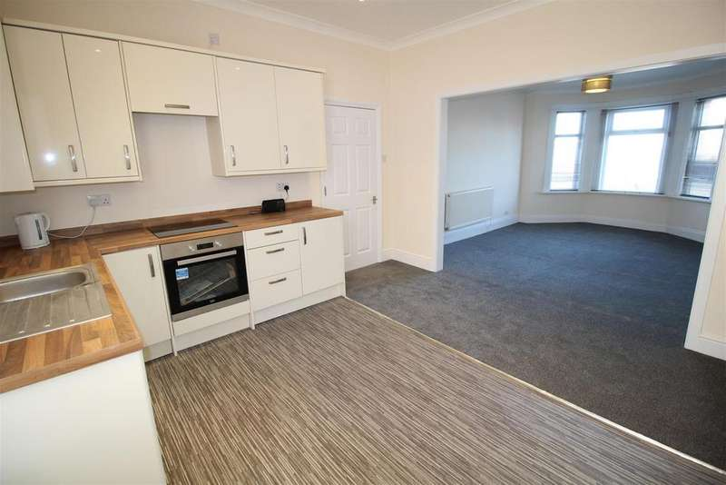 3 Bedrooms Flat for sale in Risca Road, Newport
