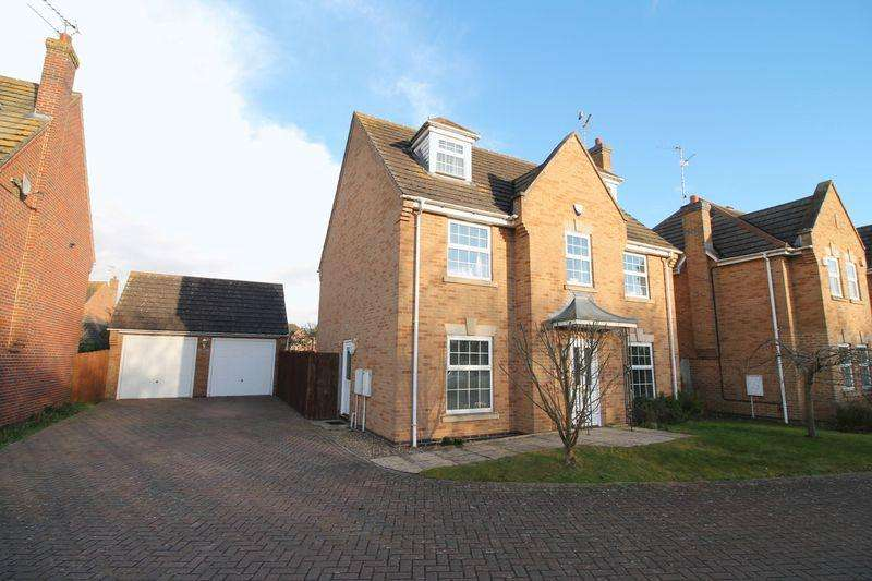 5 Bedrooms Detached House for sale in Fleur Drive, Spalding