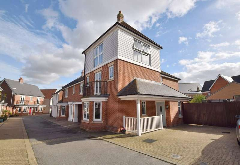 4 Bedrooms Detached House for sale in Pattinson Walk, Great Horkesley CO6 4EB