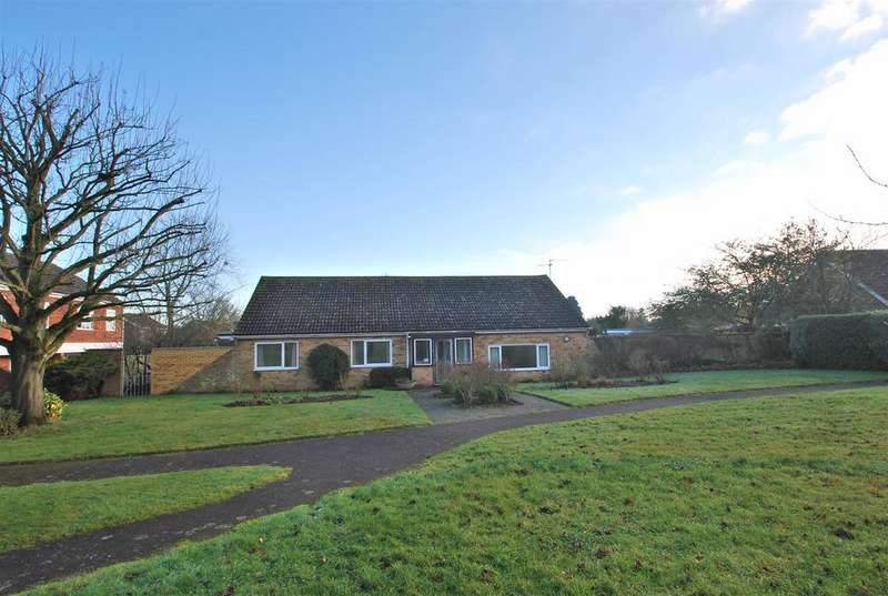 3 Bedrooms Detached Bungalow for sale in Gardeners Walk, Elmswell, Bury St. Edmunds