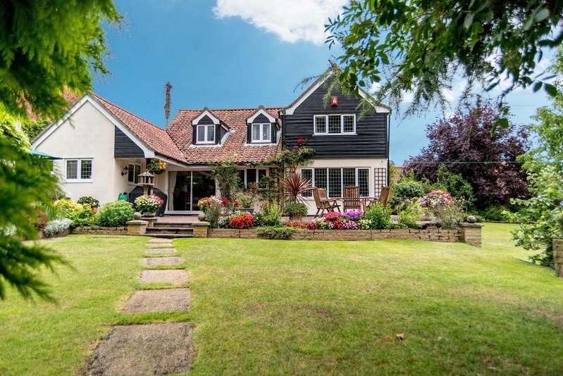 5 Bedrooms Detached House for sale in St. James, Coltishall