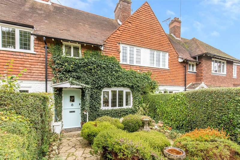 2 Bedrooms Terraced House for sale in Tally Road, Limpsfield Chart Oxted, Surrey, RH8