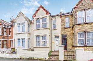 3 Bedrooms Terraced House for sale in Rock Avenue, Gillingham, Kent, .