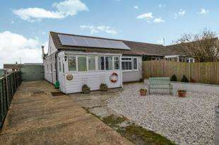 2 Bedrooms Bungalow for sale in Pleasance Road South, Lydd on Sea, Romney Marsh