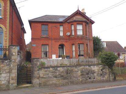 4 Bedrooms Detached House for sale in Brading, Sandown, Isle of Wight