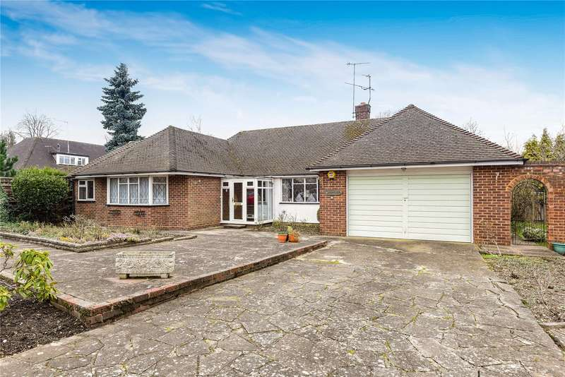 2 Bedrooms Detached Bungalow for sale in Grove Road, Northwood, Middlesex, HA6