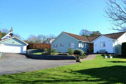 4 Bedrooms Bungalow for sale in Harpford, Sidmouth, Devon