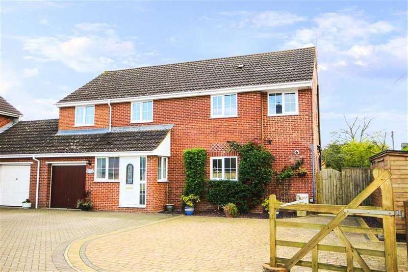 4 Bedrooms Link Detached House for sale in Calne Road, Lyneham, Wiltshire