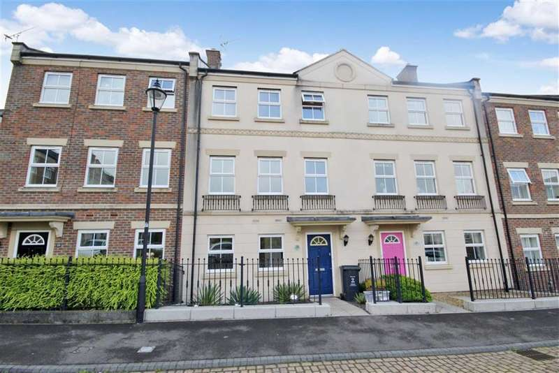 3 Bedrooms Terraced House for sale in Dowland Close, Redhouse, Swindon