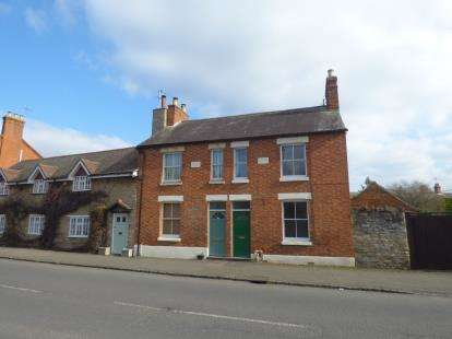 2 Bedrooms Terraced House for sale in Dartmouth Road, Olney, Milton Keynes, Bucks