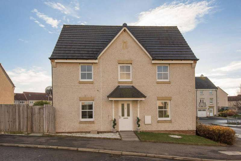3 Bedrooms Semi Detached House for sale in 35 Blink O'Forth, Prestonpans, East Lothian, EH32 9GA