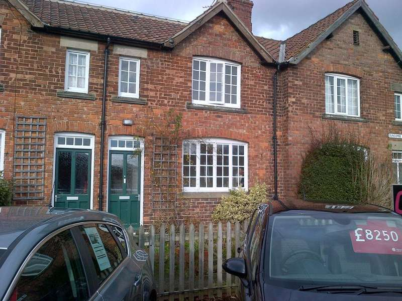 2 Bedrooms House for rent in Duncombe Terrace, Kirkbymoorside, York, North Yorkshire, YO62