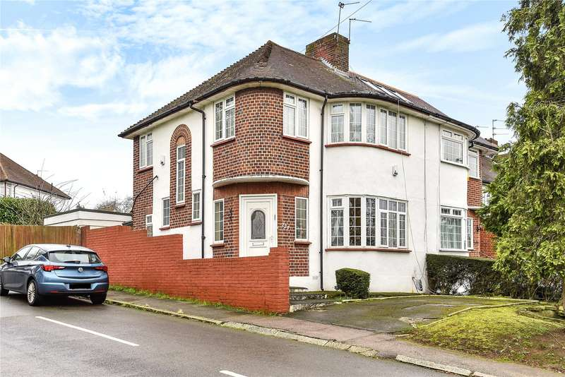 3 Bedrooms Semi Detached House for sale in Hampden Way, Southgate