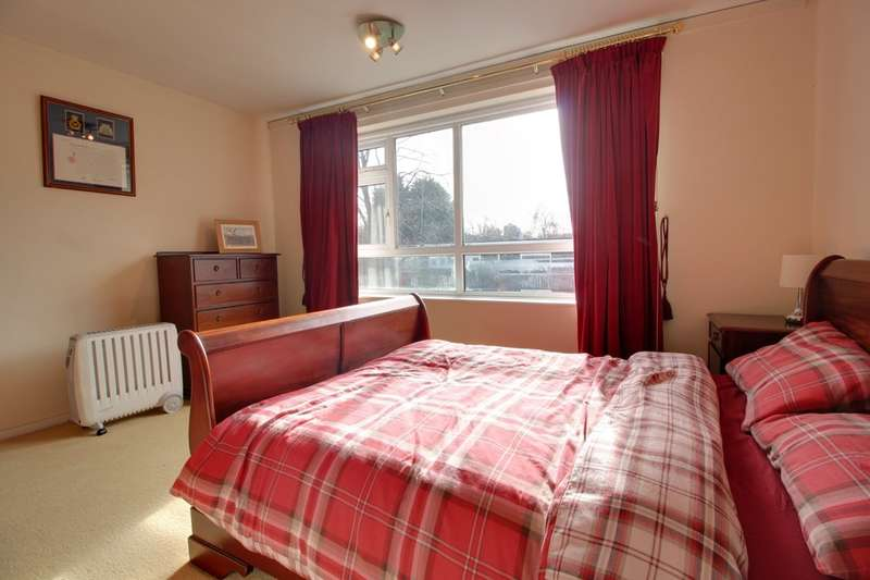 2 Bedrooms Flat for sale in Malmesbury Park 10 Hawthorne Road