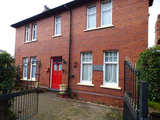 4 Bedrooms Detached House for sale in Main Street, Halton, Runcorn