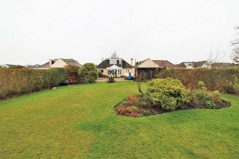 4 Bedrooms Chalet House for sale in Frinton Road, Kirby Cross, Frinton-On-Sea