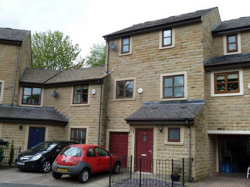 3 Bedrooms Terraced House for sale in Valley Mews, Greenfield, Saddleworth, OL3