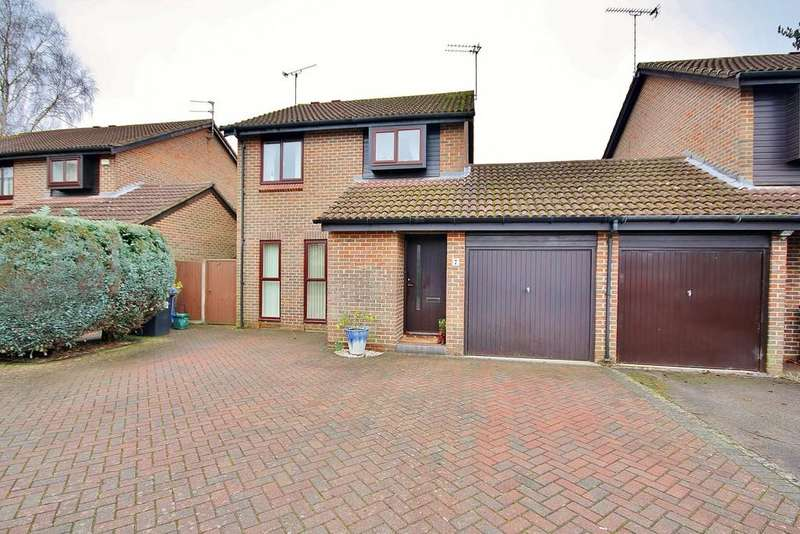 3 Bedrooms Detached House for sale in Goldsworth Park, Woking