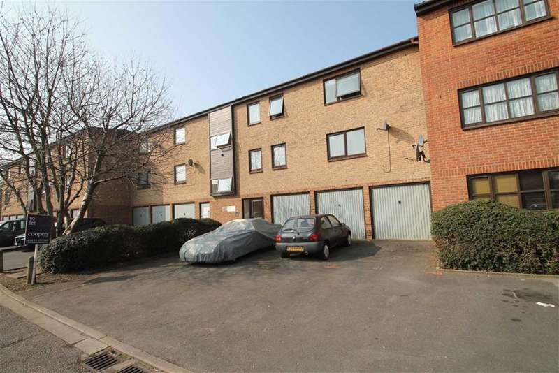 2 Bedrooms Flat for sale in Waterside, Cowley, Middlesex