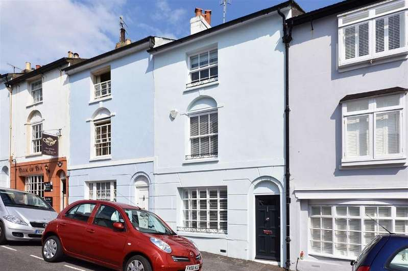 3 Bedrooms Terraced House for rent in Spring Street, Brighton