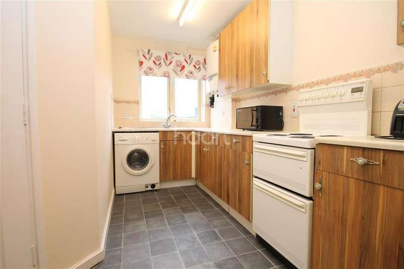 4 Bedrooms Detached House for rent in MELON ROAD, E11