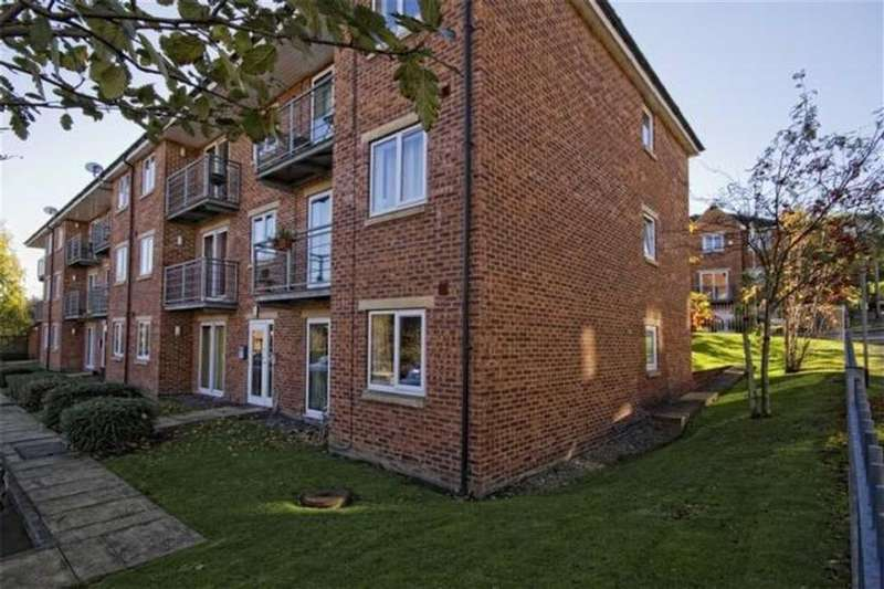 2 Bedrooms Flat for rent in Woodeson Lea, Horsforth, LS13