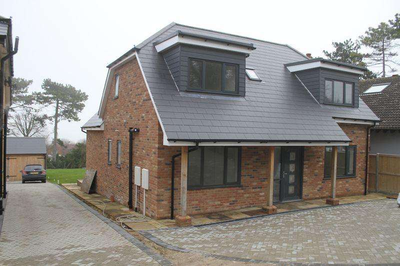 4 Bedrooms Detached House for sale in Kingsdown