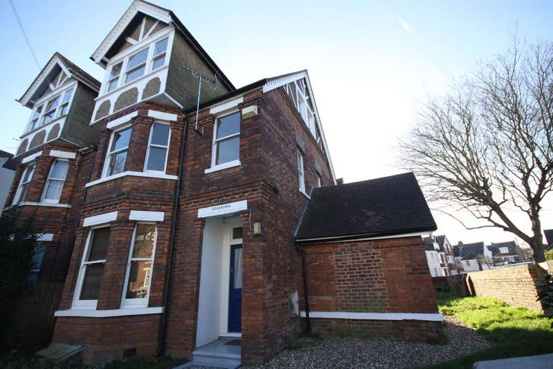 1 Bedroom Flat for rent in St Johns Church Road, Folkestone CT19