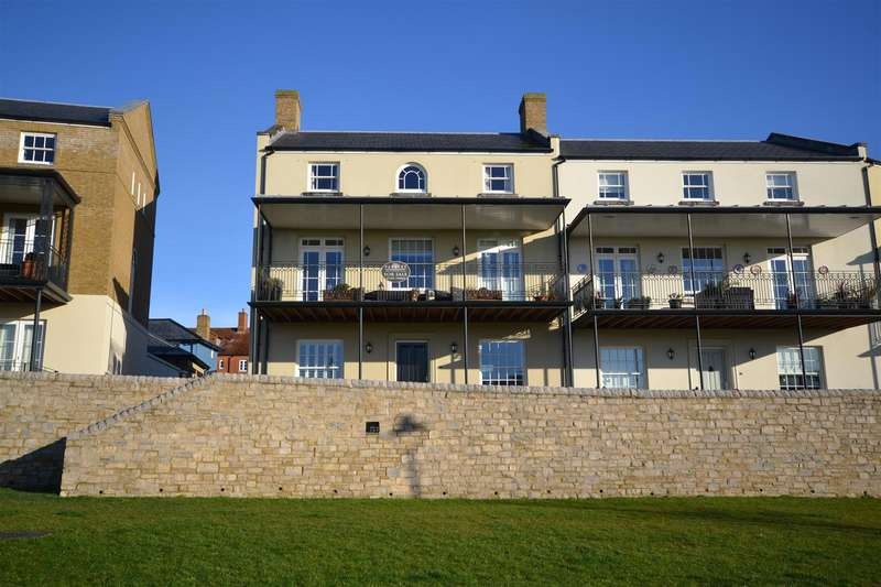 4 Bedrooms Property for sale in Ladock Terrace, Poundbury, Dorchester
