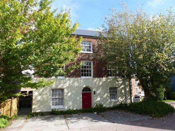 2 Bedrooms Property for sale in Fordington Court, Fordington Dorchester, Dorset