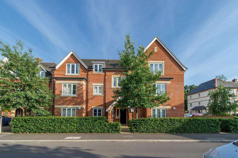 2 Bedrooms Apartment Flat for sale in Augustine Way, Oxford, Oxfordshire