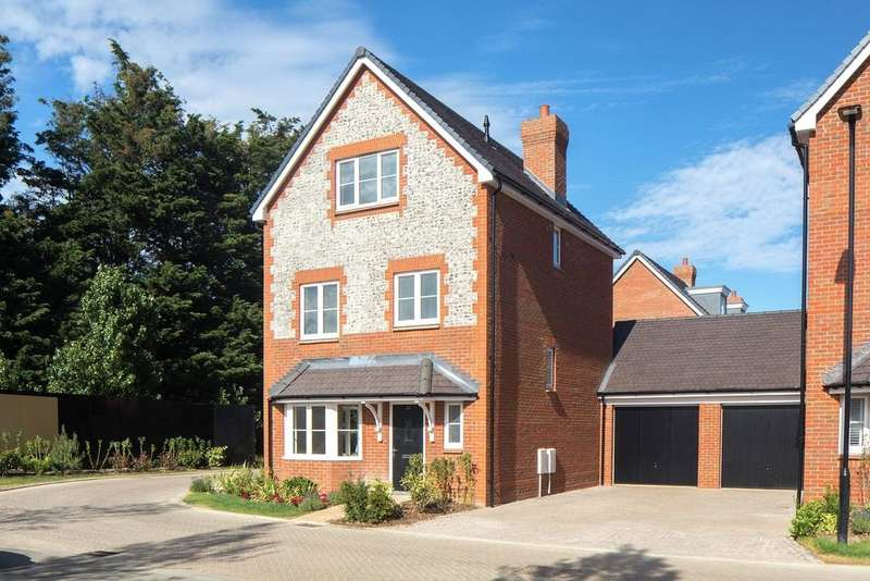 3 Bedrooms Detached House for sale in Cresswell Park, Roundstone Lane, Angmering, BN16