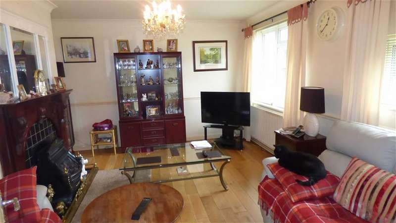 3 Bedrooms End Of Terrace House for sale in Medebourne Close, Blackheath, London