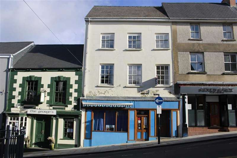 3 Bedrooms Town House for sale in Market Street, Haverfordwest