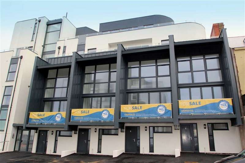 4 Bedrooms Town House for sale in Empire Court, Whitley Bay, Tyne & Wear, NE26