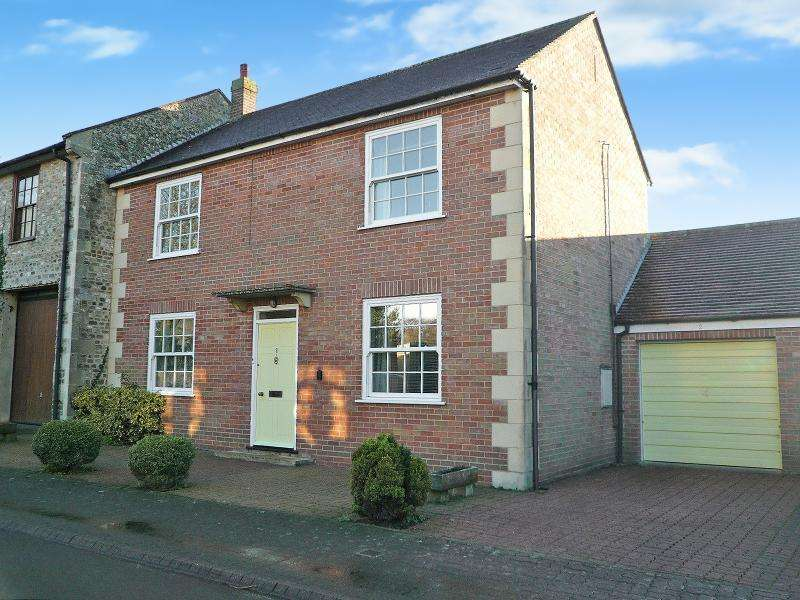 3 Bedrooms Semi Detached House for sale in NEWPORT, Warminster, BA12