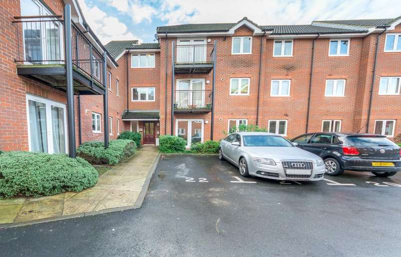 2 Bedrooms Ground Flat for sale in Langtry Court, Providence Hill, Bursledon, Southampton SO31