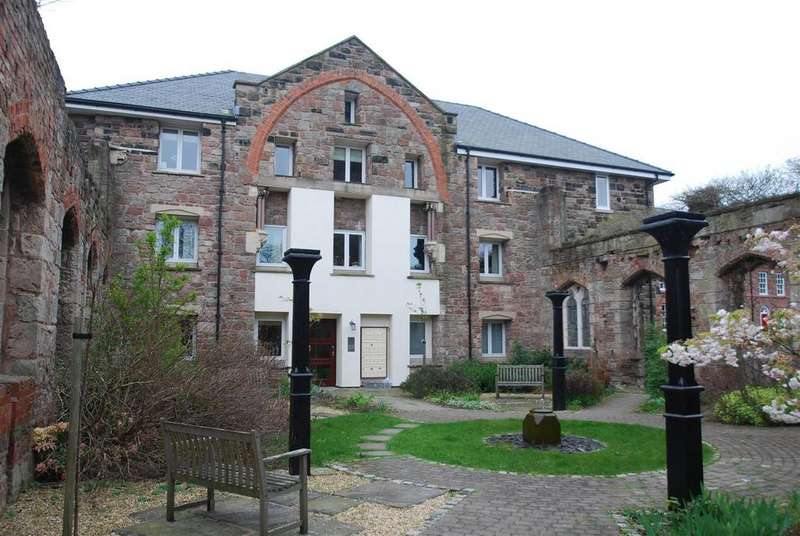 3 Bedrooms Apartment Flat for rent in Trinity Gardens, High Street, Frodsham