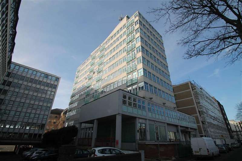 1 Bedroom Apartment Flat for sale in 45 Victoria Avenue, Southend On Sea, Essex