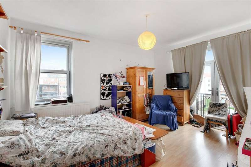3 Bedrooms Apartment Flat for sale in McDougall House, Turin Street, Bethnal Green, E2