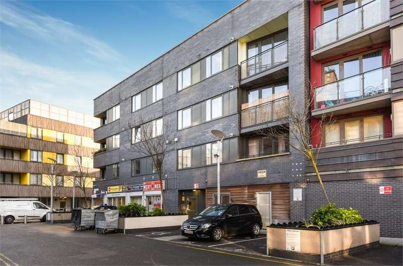 2 Bedrooms Flat for sale in Dimsdale Heights, 4 Spencer Way, London